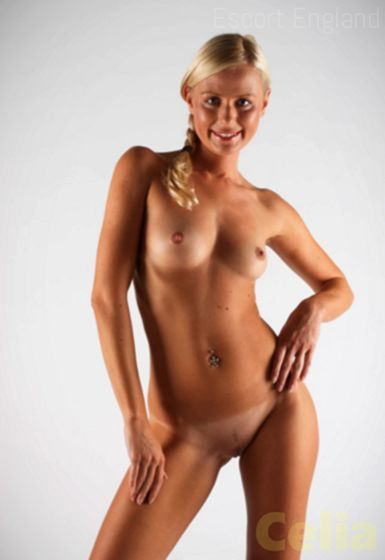 Romanian, 38 years old Celia escort girl in England - Image 1