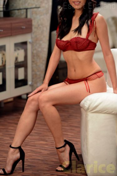 English, 20 years old Clarice escort girl in England - Image 2