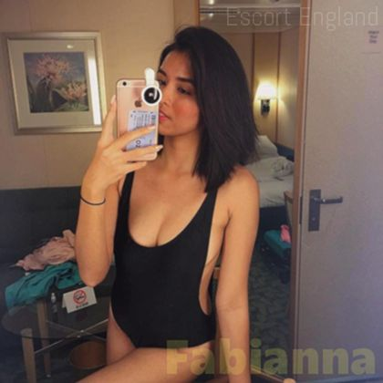 Welsh, 22 years old Fabianna escort girl in England - Image 1
